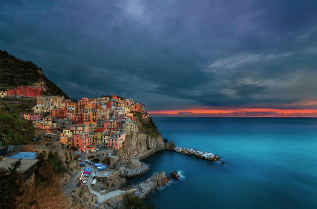 Italia, Cinque Terre ; sursa foto - Peter Stewart