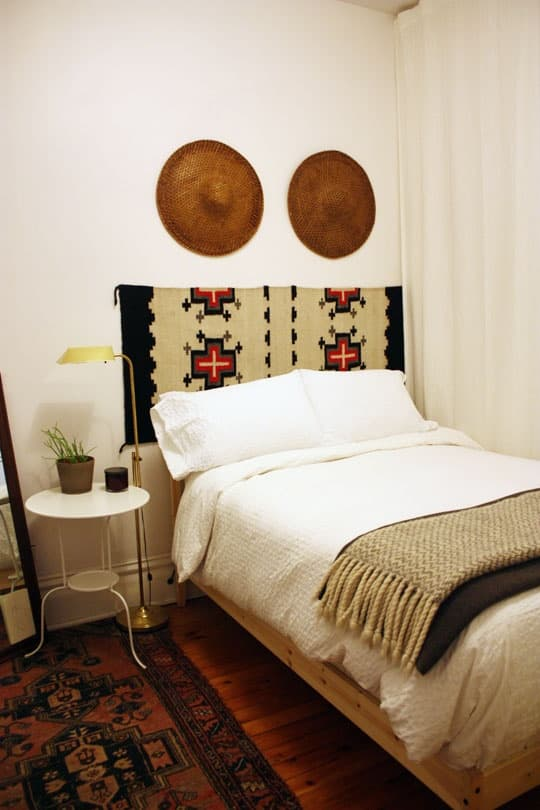 http://www.babble.com/home/25-dorm-decor-diy-ideas/