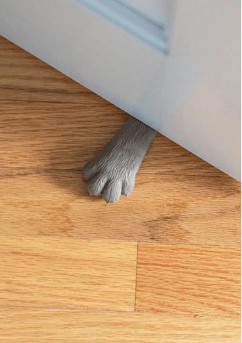 lend me a paw doorstop
