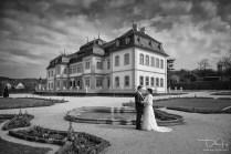 Ausdrucksstarke Brautbilder in Schwarz-Weiss macht der Hochzeitsfotograf.