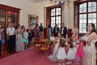 Der Hochzeitsfotograf aus Nuernberg im Trauzimmer im Zivilstandesamt in Basel