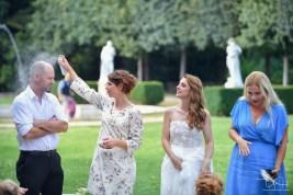 Etwas Spass muss sein mit dem Hochzeitsfotografen aus Nuernberg beim Hochzeitsshooting in Basel
