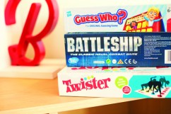 Show chalet - Hasbro board games