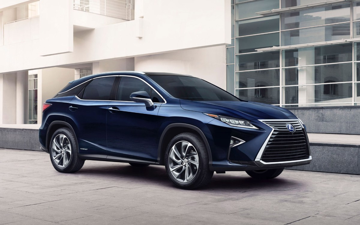 A Luxe Crossover: The Lexus RX