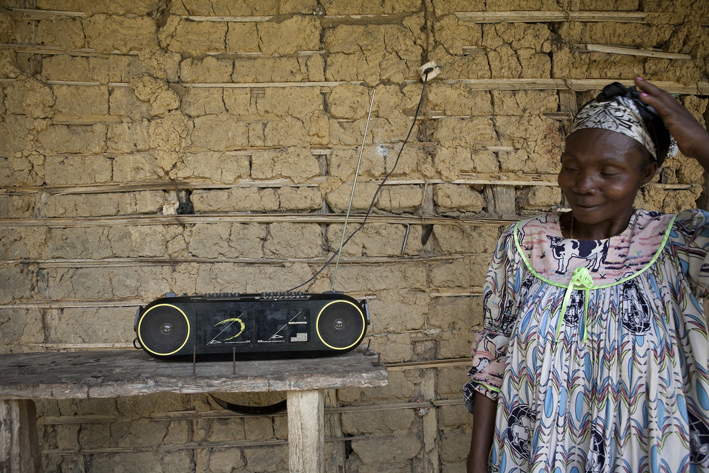 Could radio help mitigate climate change in the Congo Basin?