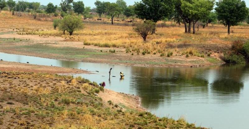 Masyarakat asli telah mengembangkan metode adaptasi dan strategi penangatan untuk mengelola lingkungan selama ratusan tahun. Carsten ten Brink
