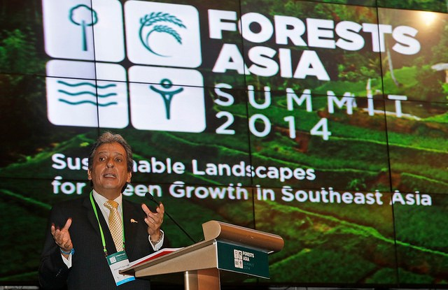 Peru Environmental Minister Manual Pulgar-Vidal delivers the opening speech on Day 2 of the Forests Asia Summit in Jakarta, Tuesday, 6 May 2014. CIFOR photo