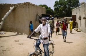 Habitantes de una aldea en Burkina Faso. Foto: CIFOR