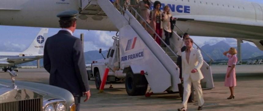 007 Concorde arriving