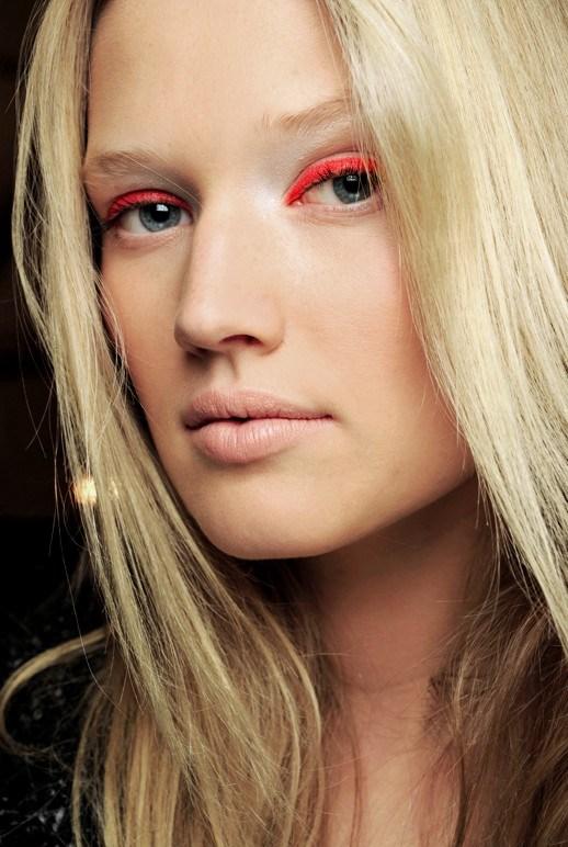 Highlighter eye makeup