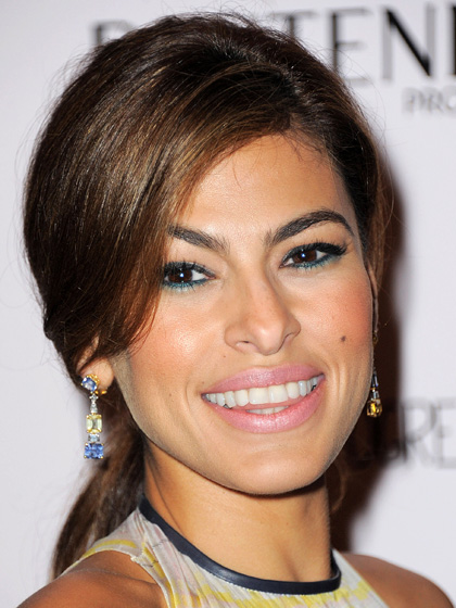 Eva Mendes' Two-Tone Eyes in Green