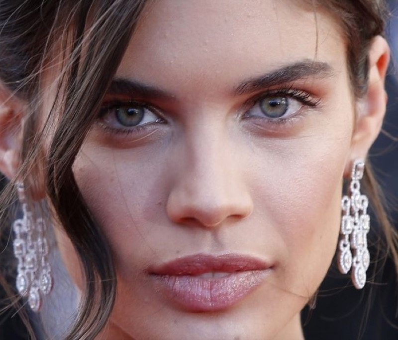 cliomakeup-sara-sampaio-look-trucchi-capelli-makeup-segreti-bellezza-43