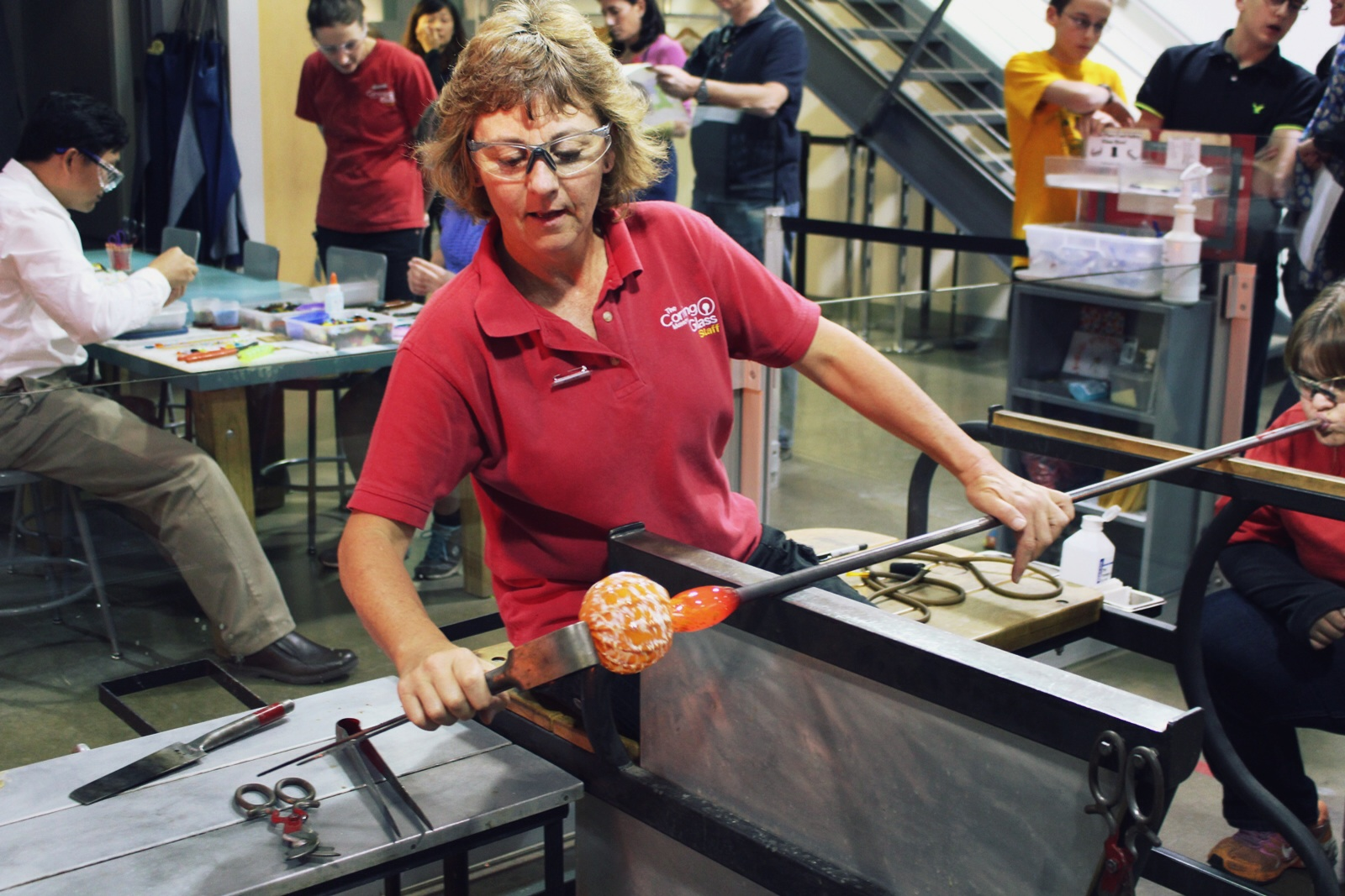 Jackie Glass At The Make Your Own Glass Hot Shop Jackie Helps A Guest Blow A