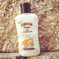 Hawaiian Tropic Silk Hydration Lotion Sunscreen SPF 30