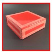 boîte cadeau rouge à fermeture aimantée