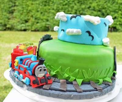 Torta di compleanno con il trenino Thomas