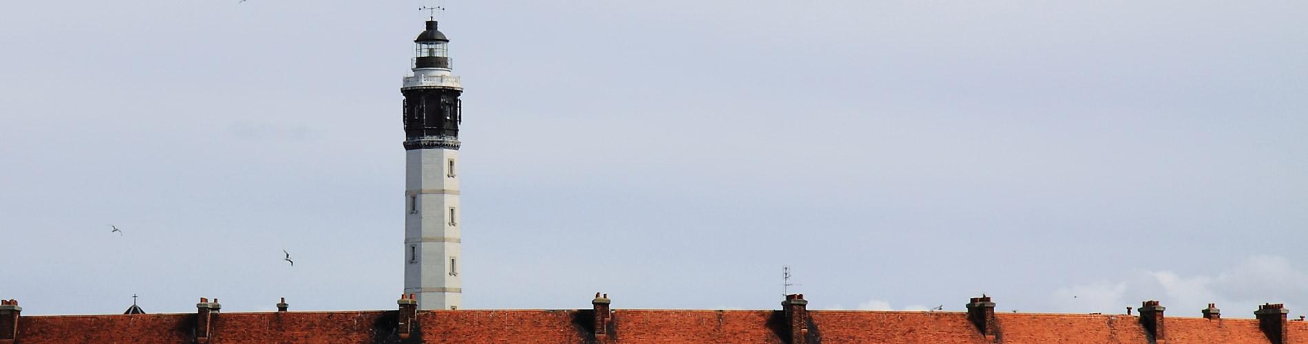 Blog_DayOut_Calais_Lighthouse_1900x500_Q120