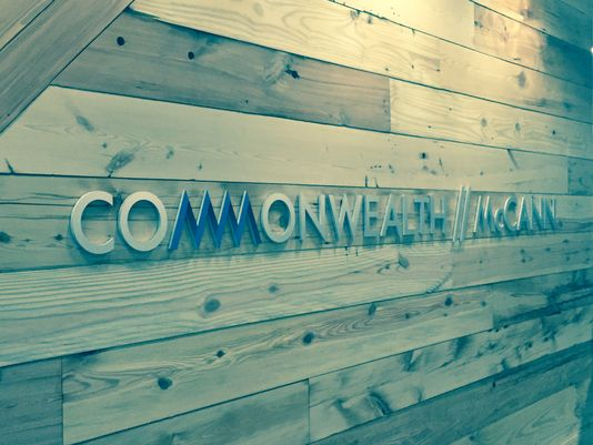 Commonwealth-sign