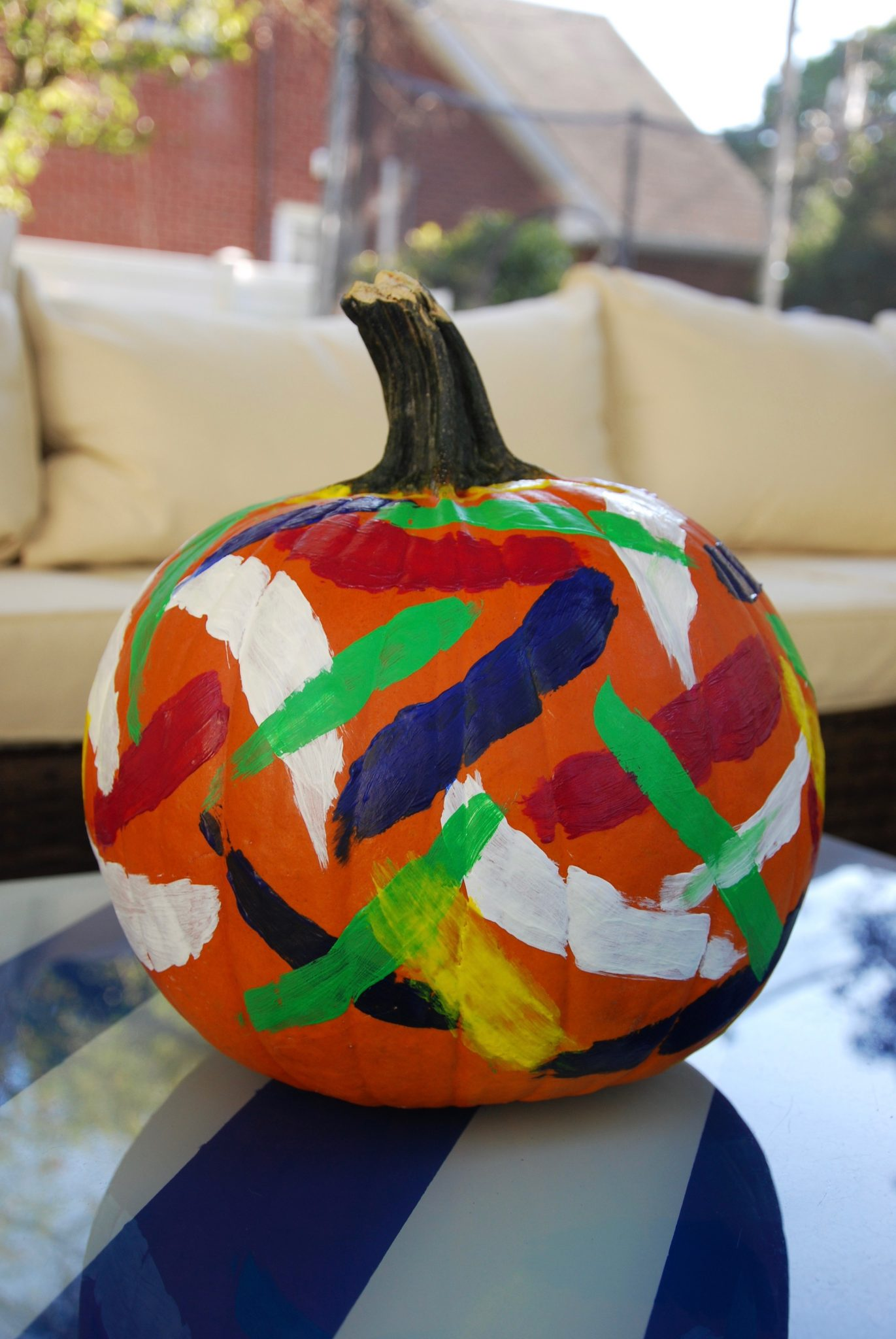 Diy painted brushstroke pumpkins effortless style blog Easy pumpkin painting patterns