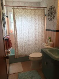 Easy changes to update a retro bathroom without a remodel ...