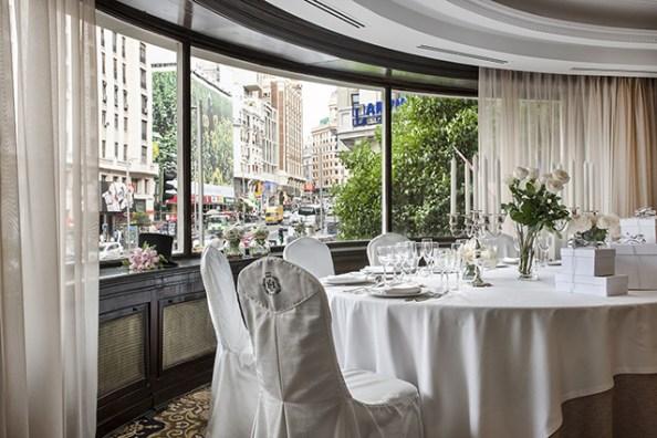 Opción almuerzo o cena en salones con vistas a Gran Vía