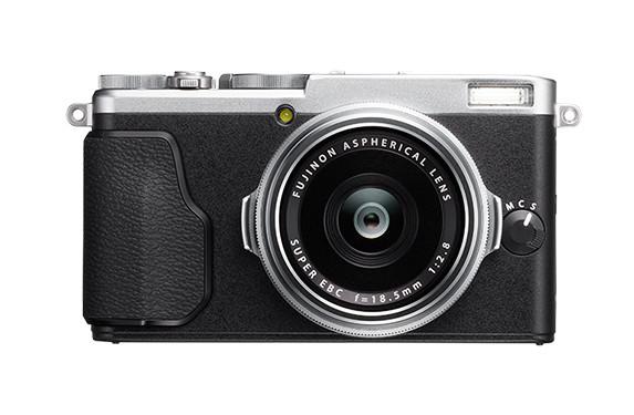 Fujifilm X70 - 是衝著 Ricoh GR 而來?