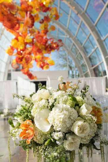 10Flora-Nova-Design-Luxe-Chihuly-Seattle-wedding