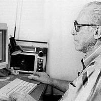 Charles Bukowski e seu Macintosh