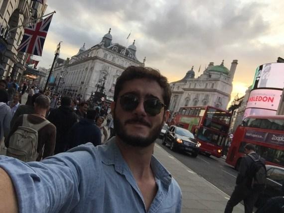 uma coincidência entre Londres e Belo Horizonte: ônbius vermelhos