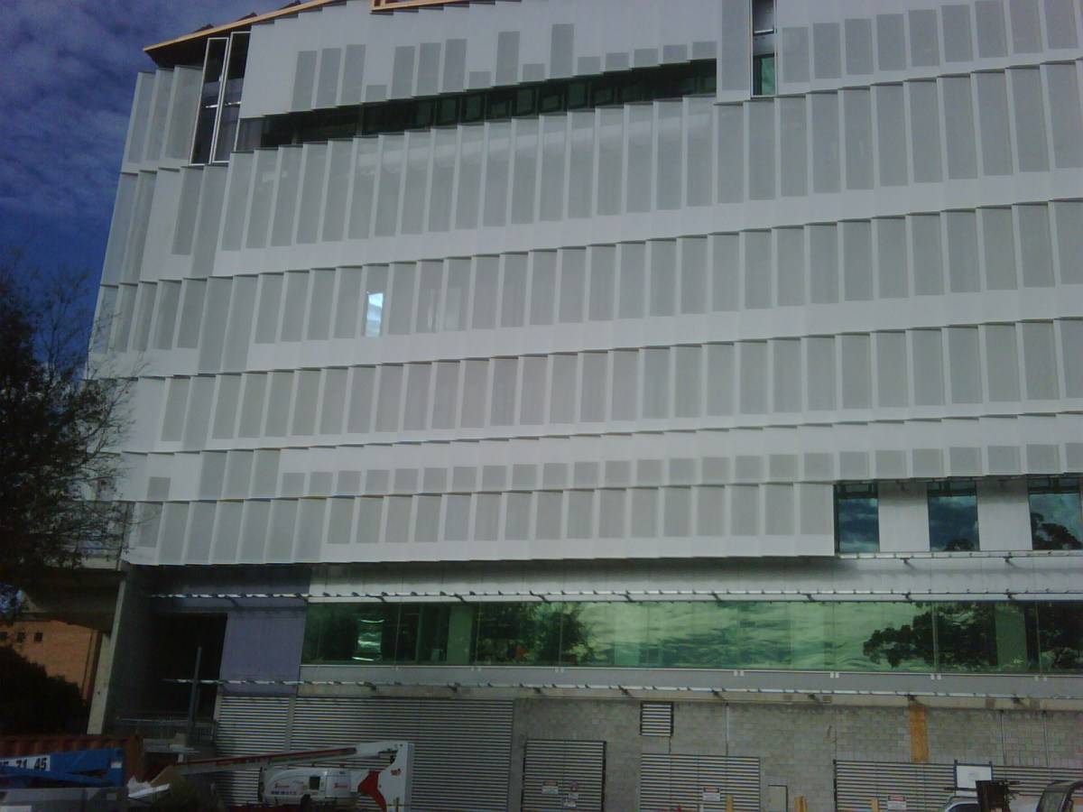 The aluminium screens are designed to keep excessive sunlight and noise out of sensitive laboratries.