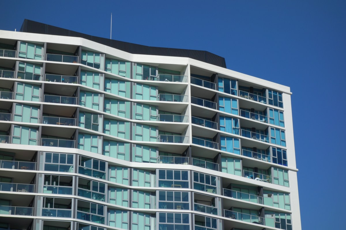 Different glass types are used for different apartments. Notice the blue glass in the top-right.