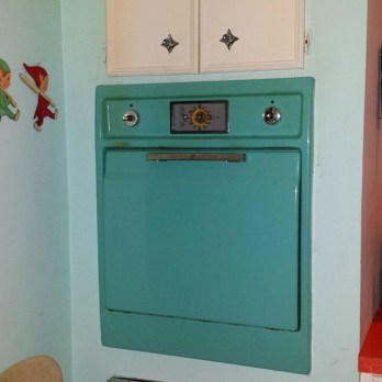 Original-kitchen-midcenturykitchen-midcentury-midcenturyoven-retrokitchen-retrolife-jetsonia-madmen-