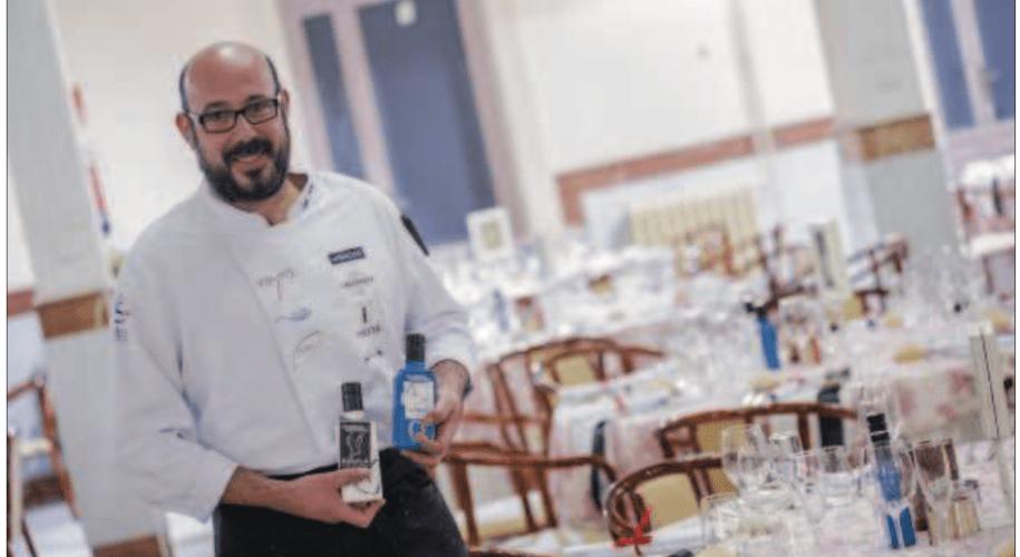 El chef Rubén Sánchez junto a los AOVEs Lince y Águila