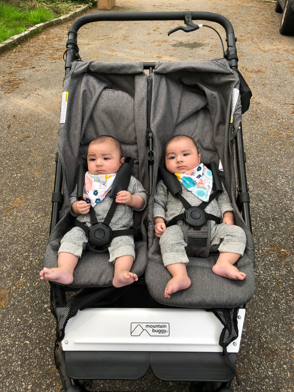 Mountain Buggy Duet Review Real Mom Reviews Mountain Buggy Duet For Multiples Gugu