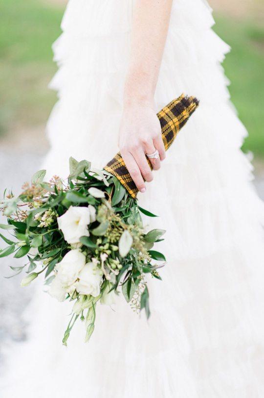 mariage bouquet de fleurs en kilt happy chantilly. Black Bedroom Furniture Sets. Home Design Ideas