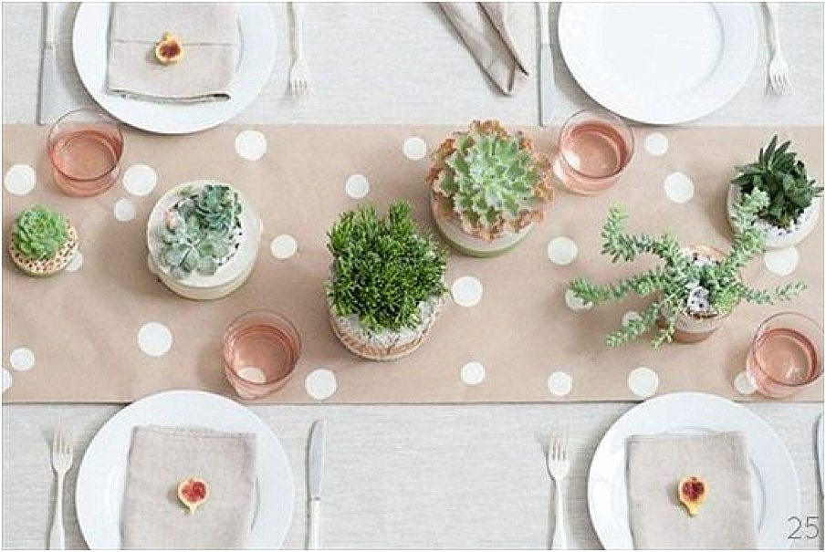 Un chemin de table en kraft happy chantilly - Faire un chemin de table ...