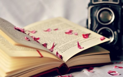 10 Lovely HD Book Pages Wallpapers