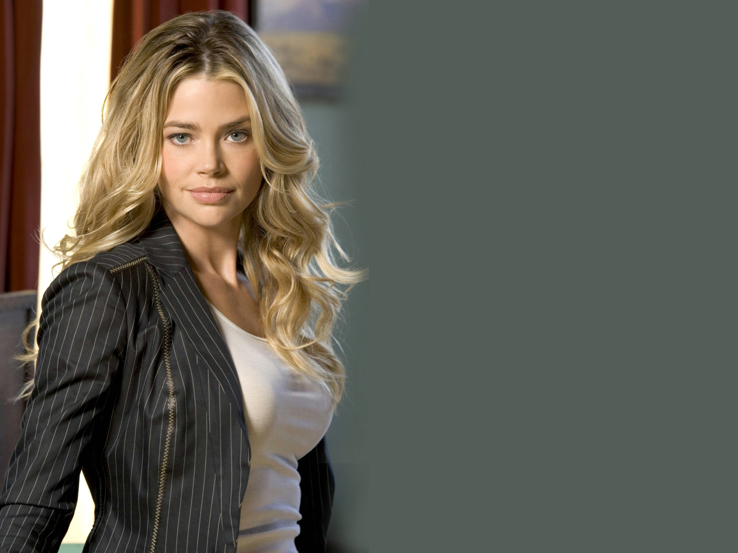 Chicago Bears Hd Wallpaper 20 Hd Denise Richards Wallpapers Hdwallsource Com