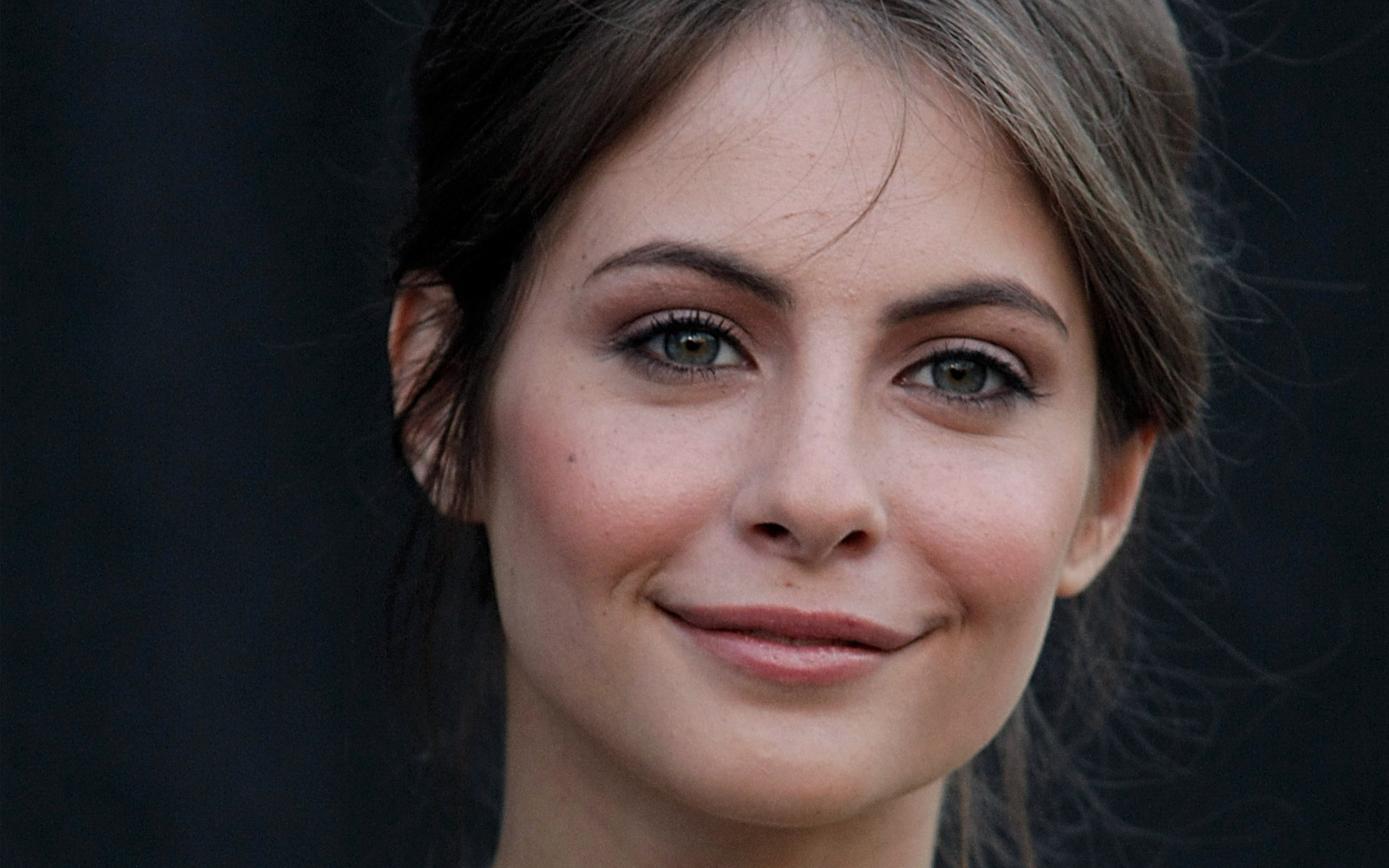Freckles Girl Hd Wallpaper 18 Beautiful Hd Willa Holland Wallpapers