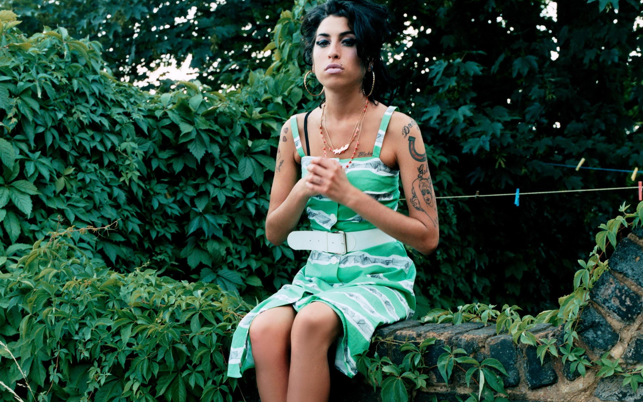 Hd Wallpaper Girl Face 12 Hd Amy Winehouse Wallpapers