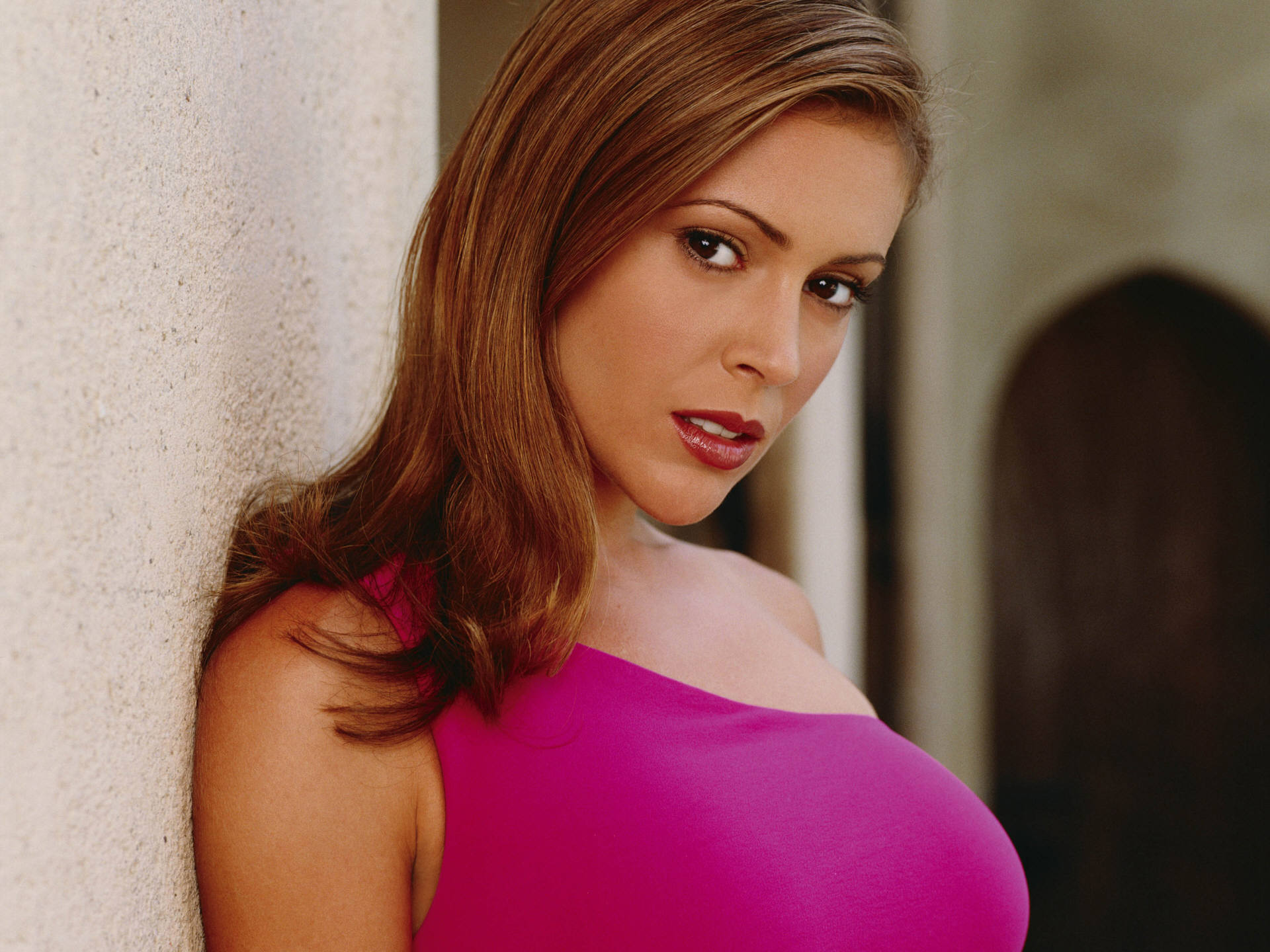Cute Pink Wallpaper 1980 17 Hd Alyssa Milano Wallpapers
