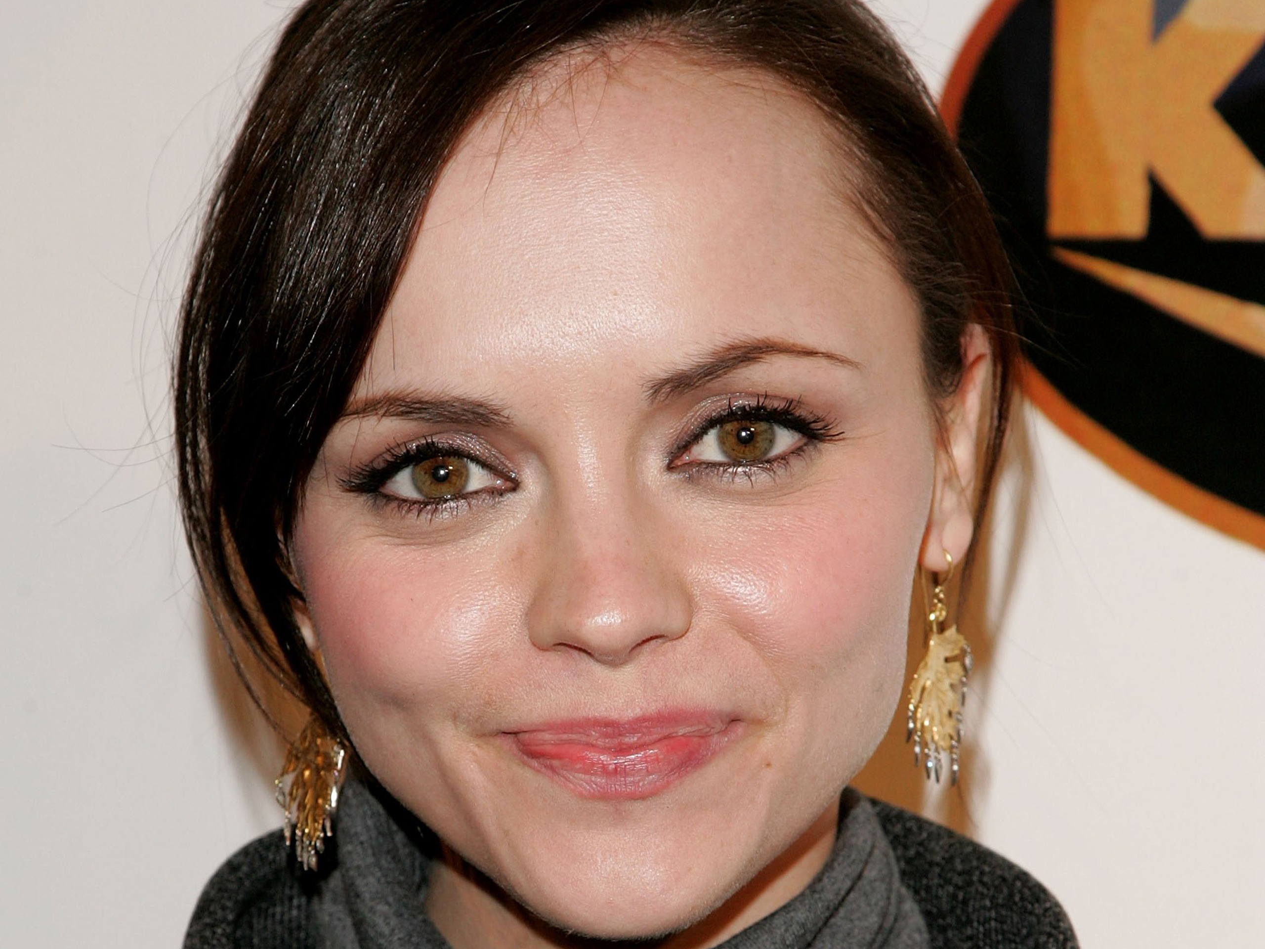 Snake Eyes Hd Wallpapers 17 Beautiful Hd Christina Ricci Wallpapers