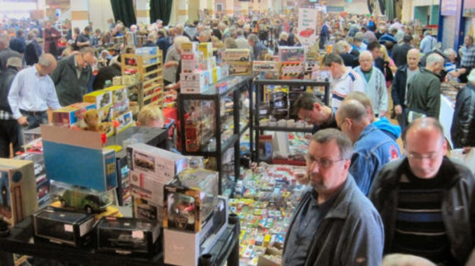 Sandown Park Toy Fair draws up to 5,000 collectors - for a few hours each