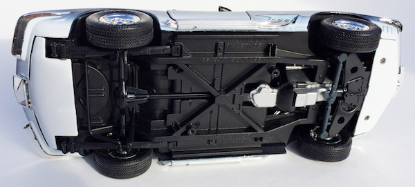 Motormax Chevrolet Corvette Mako Shark