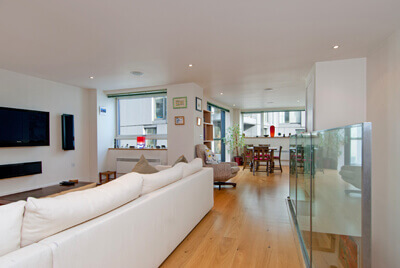 Bright 3 Bedroom House in Brewery Square, Clerkenwell, EC1
