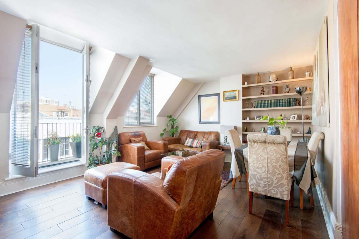 2 Bedroom Apartment, Johns Mews, Bloomsbury, WC1