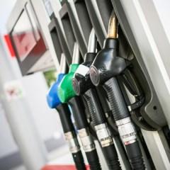 10 útiles trucos para ahorrar combustible este verano