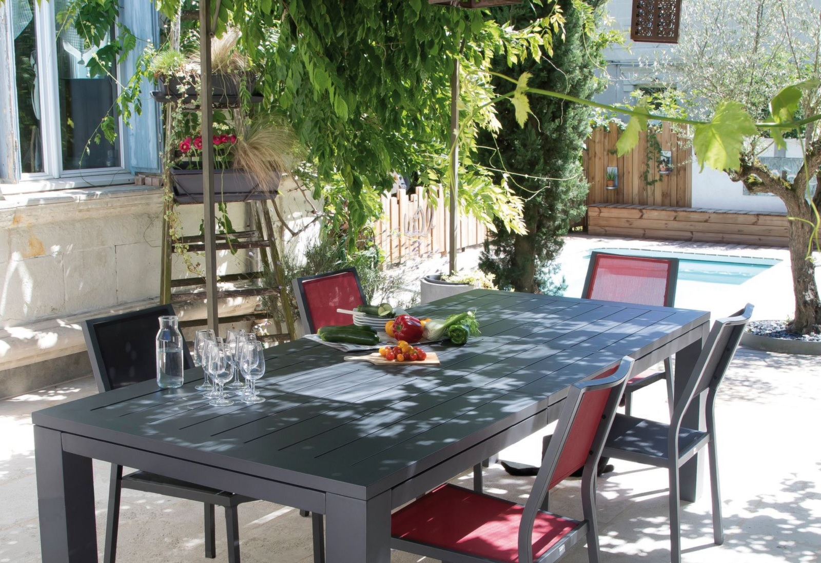 Table Terrasse Pro | Chalet Accommodation In Les Houches Chamonix France