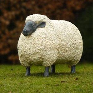 Des animaux grandeur nature chez jardinchic le blog jardinchic - Deco jardin mouton toulon ...