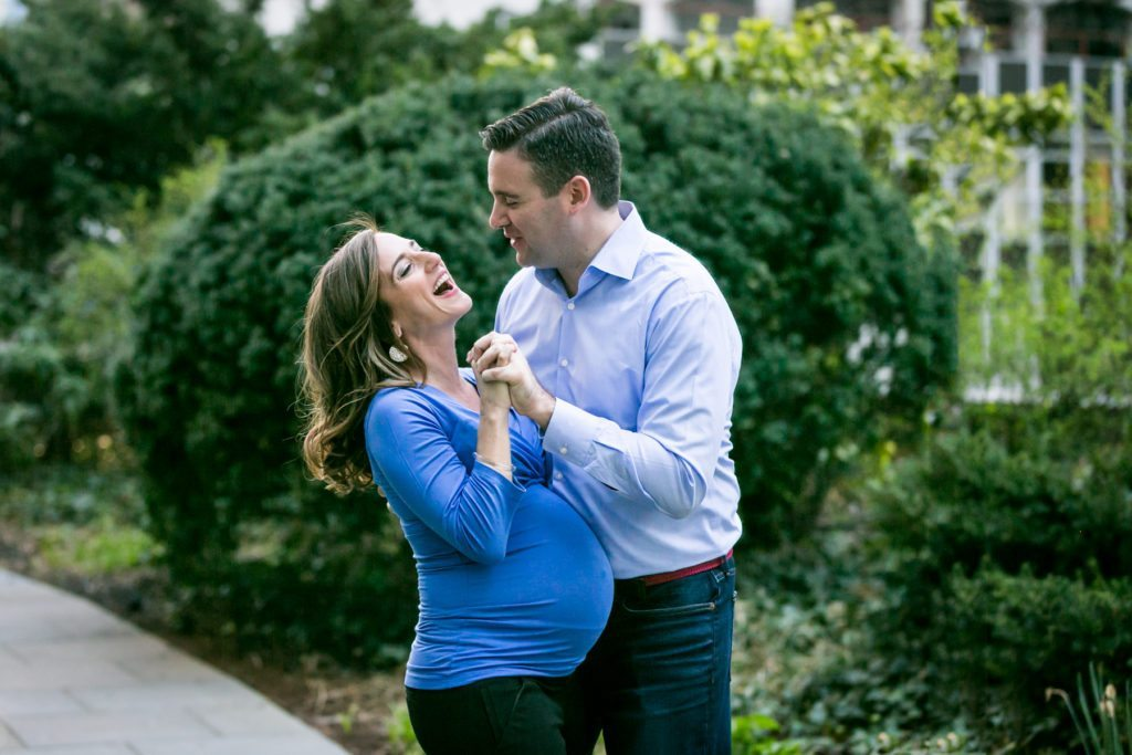 A Manhattan Mother-To-Be Maternity Shoot